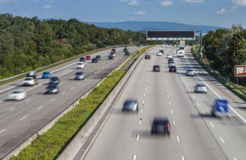 Autobahn Straenverkehr  Matthias Buehner